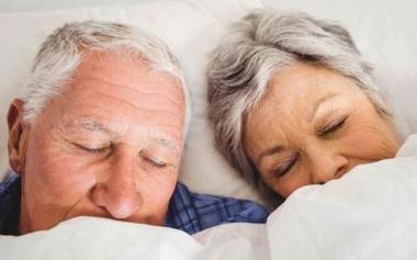 老年人总是失眠是怎么回事?大多都是这6个原因害的