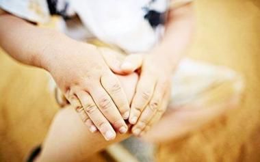 7岁男孩摔了一跤,竟查出癌症!孩子出现生长痛家长别轻视
