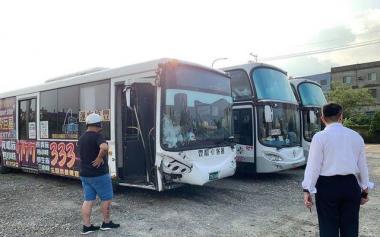 公交车10分钟撞8车,竟是因为司机脑中风!