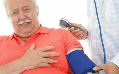 夏季高血压需要注意啥?警惕4种现象,日常8个方法调理
