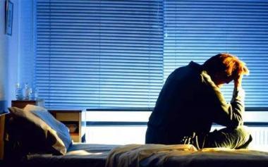白天犯困夜晚清醒?老年人提高睡眠质量注意五点